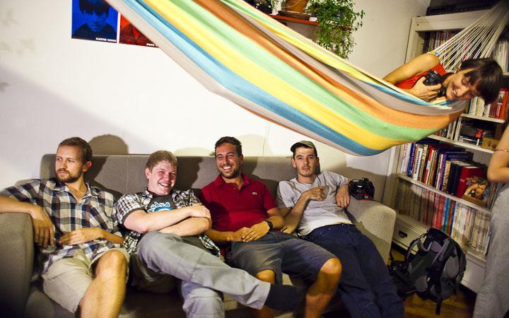 O equipo completo de They Shoot Music: Michael, Mathias, Manuel, Simon e Sara.