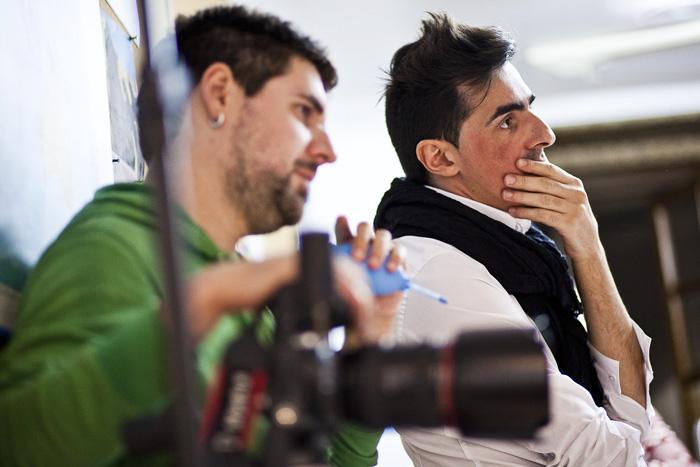 GV GONZALO VAZQUEZ en una sesión de fotos con el fotógrafo Oscar Corral en el estudio Simboloxico Vol.2