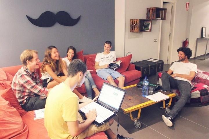 Bon Moustache: un albergue que honra ao bigote