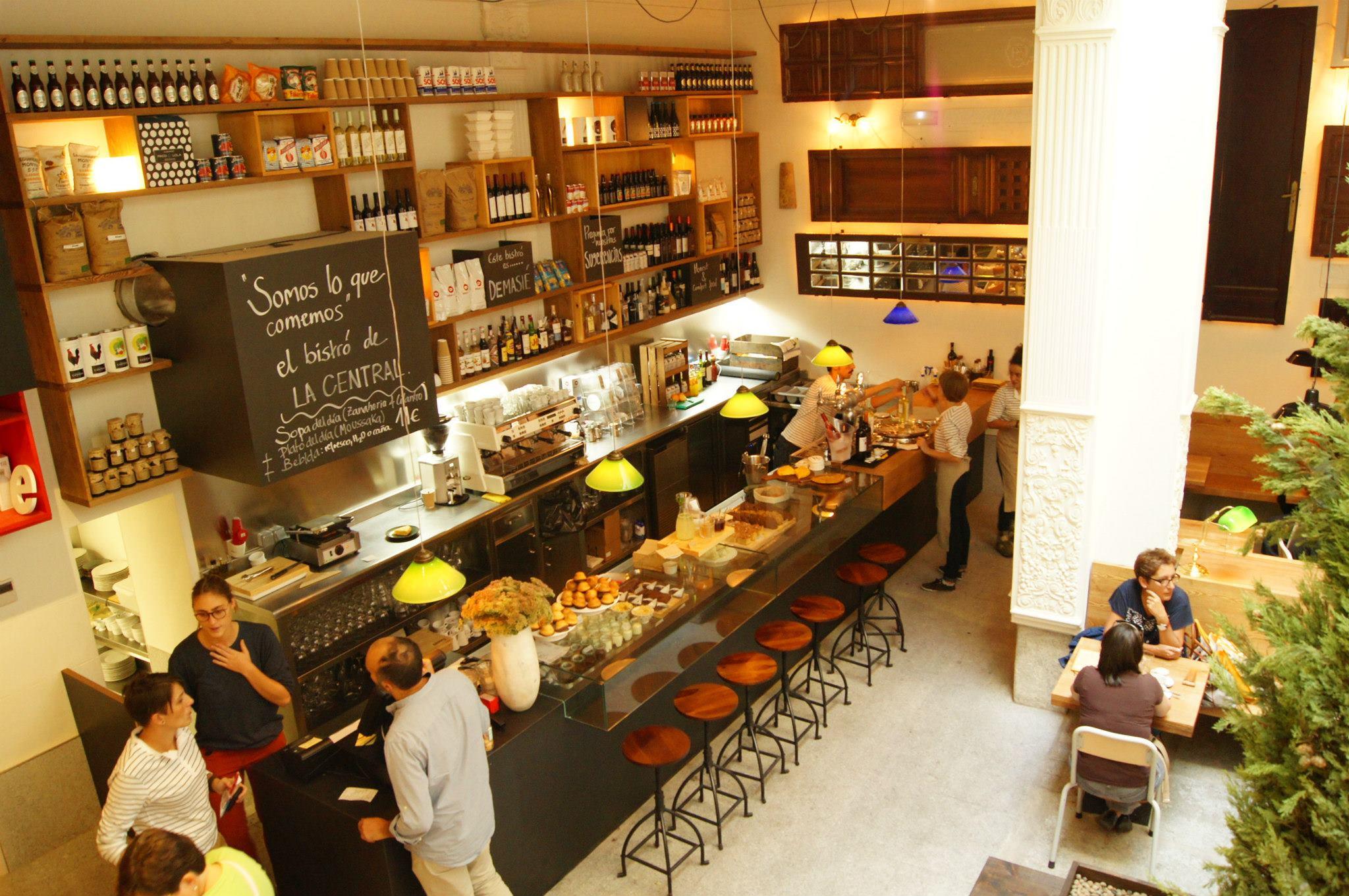La central unha librar a cadea que cool disquecool for Tipos de restaurantes franceses