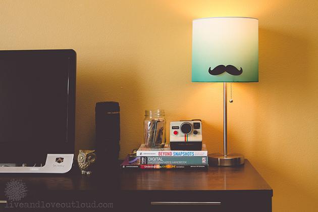 Lámpada con moustache