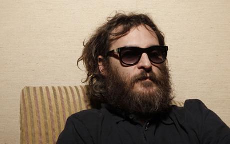 Joaquin Phoenix con barba