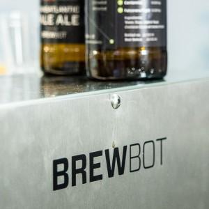 BrewBot, unha manquina para facer cervexa controlada polo mobil