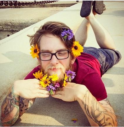 O verán no que as barbas dos hipsters deron flores