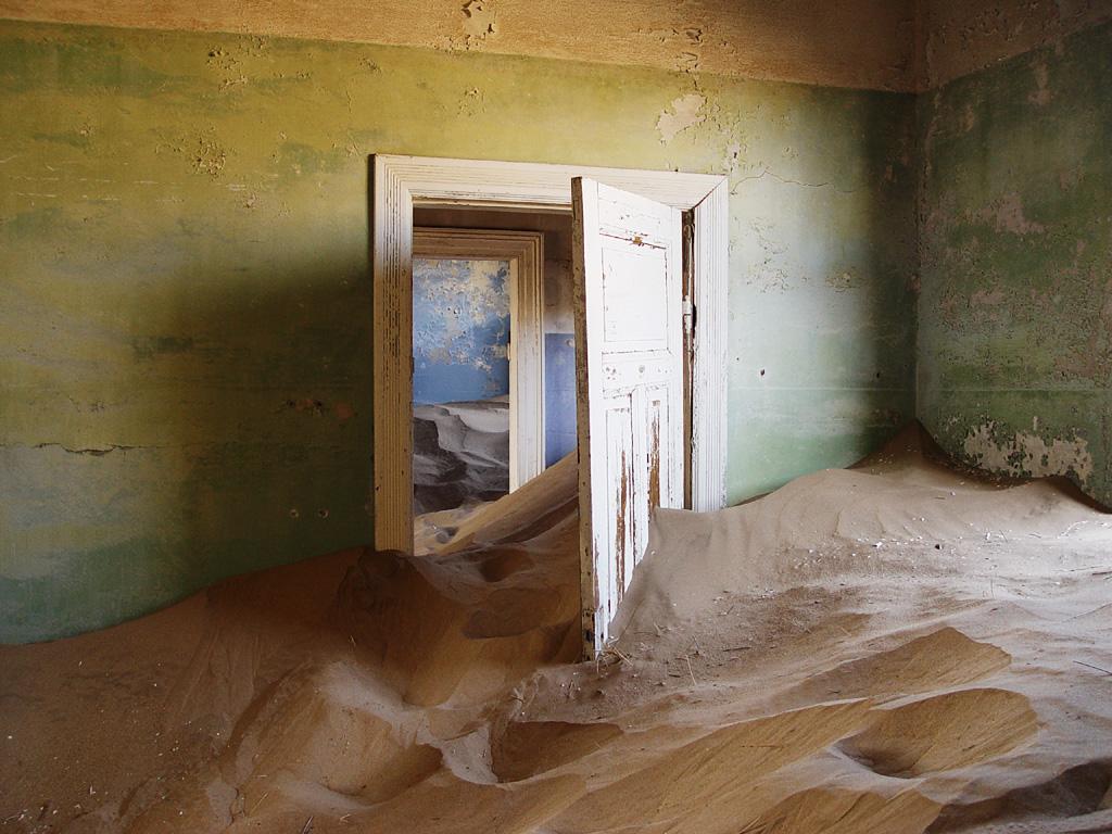 Kolmanskop_sand