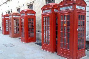 As cabinas de teléfono volven reconvertidas en mini oficinas
