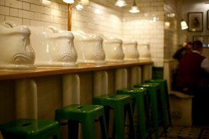 O día no que bebín café nun baño victoriano