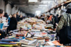 Tsundoku, ou por que mercas libros cando tes tantos sen ler na casa