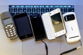 Algúns dos teléfonos que non acompañaron este últimos anos